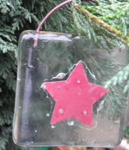 red glass christmas decoration